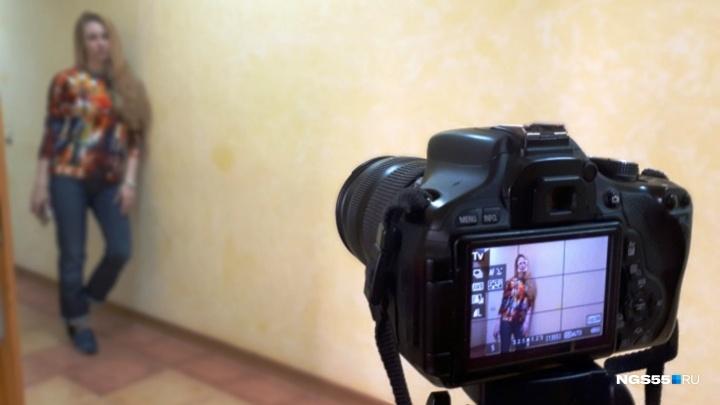 В Омске будут судить 35-летнего фотографа, который развращал несовершеннолетних учениц