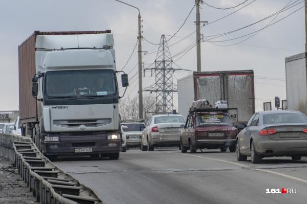 Мост на Малиновского власти обещали скоро реконструировать