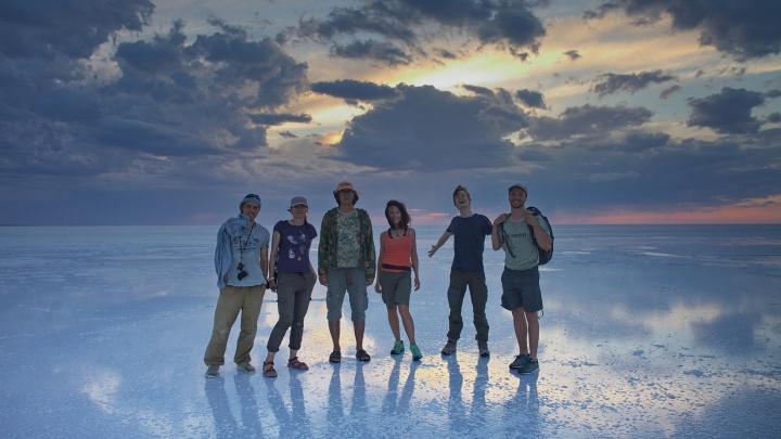 Сибиряки месяц провели в пустыне в Азии и привезли потрясающие фото
