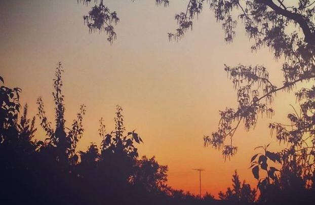 Нежный рассвет над городом восхитил очень рано проснувшихся красноярцев