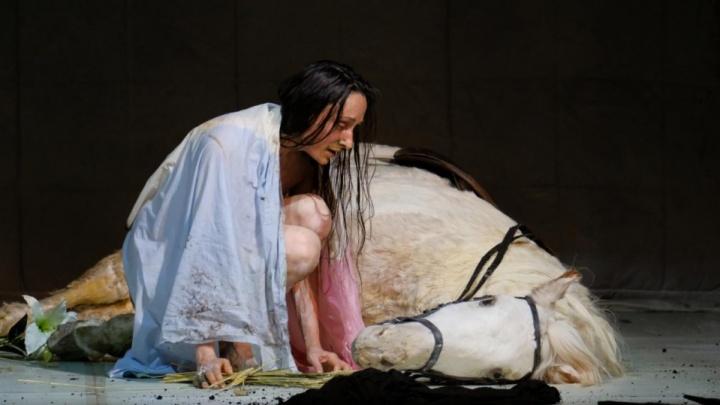 Пермский театр оперы и балета получил «Золотую маску»за «Жанну на костре»