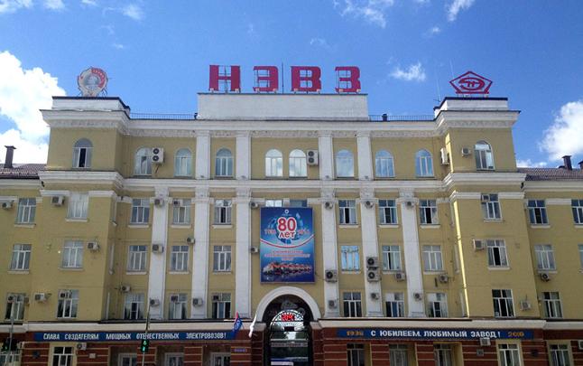 Тушили полтора часа: в Новочеркасске произошел пожар на электровозостроительном заводе