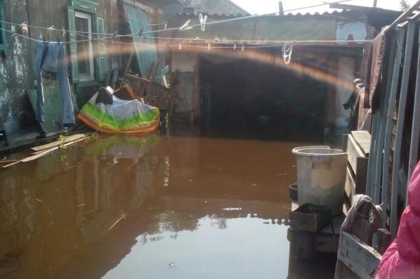 Так выглядят дворы затопленного Минусинска