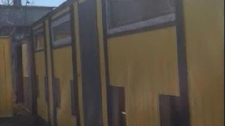 Не парьтесь - платите долги! В Екатеринбурге судебные приставы арестовали мобильные бани