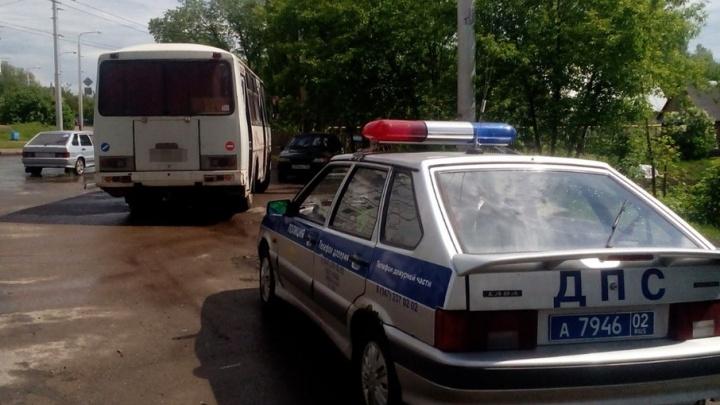 Дорожные полицейские в Уфе поймали водителя автобуса без прав
