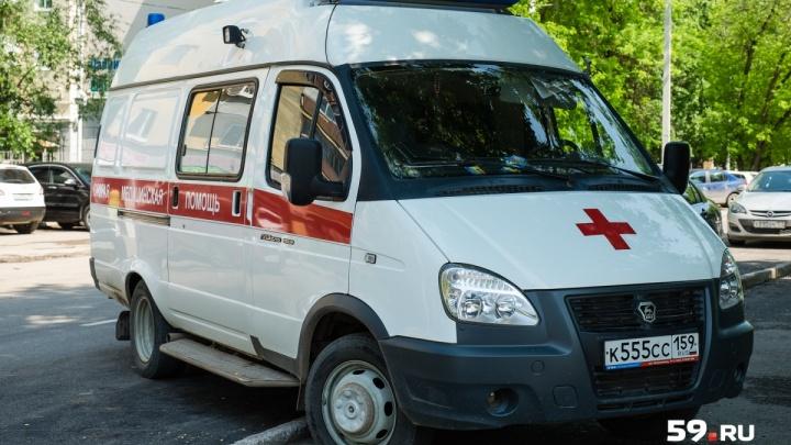 «Его жизни ничего не угрожает»: в Березниках подросток упал с крыши заброшенного здания