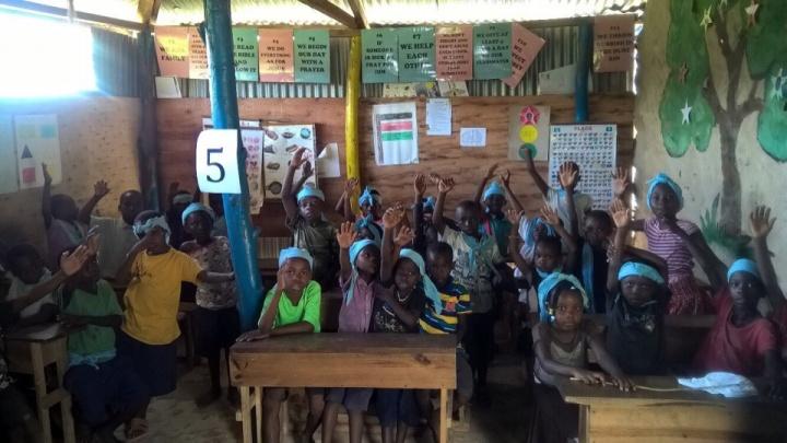 Отправившиеся в Кению красноярцы отложили строительство лагеря и сосредоточились на обучении детей