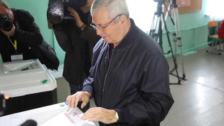 В Челябинске глава избиркома, председатель ЗСО и кандидаты в депутаты подверглись телефонной атаке