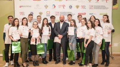 «Их ждёт достойная карьера»: «КОШЕЛЕВ-БАНК» поддержал талантливых старшеклассников