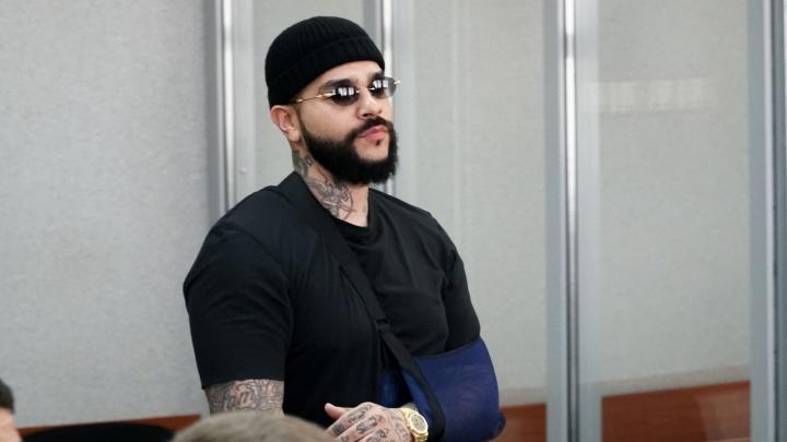 Суд взыскал с Тимати 30 тысяч рублей за оскорбление экс-депутата, избившего Dj Smash