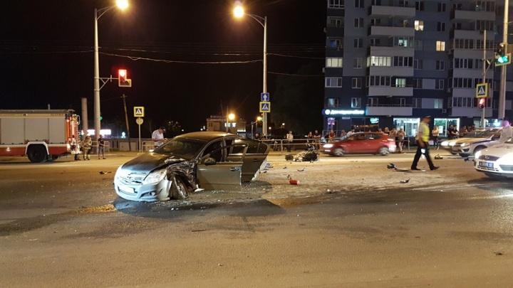 «Его провожали под вой сирен»: в Самаре простились с байкером, погибшим на Московском шоссе