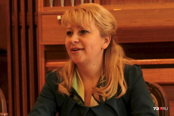 Юлия Шакурская перешла вТюменское концертно-театральное объединение после скандала с картинами, похищенными из музея ИЗО три года назад<br>