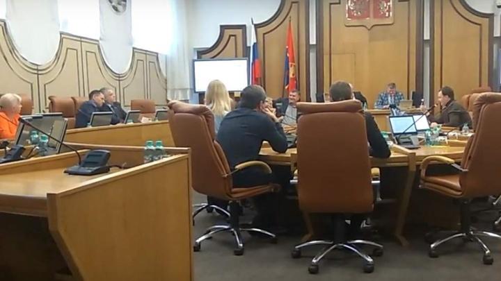 Проблемы дольщиков депутаты спихнули на ресторатора Владимирова