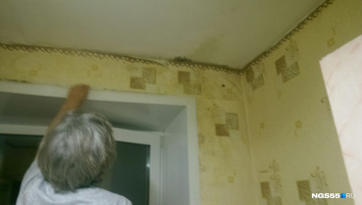 ВОмске из-за дождевой воды обрушилась стена пятиэтажного дома