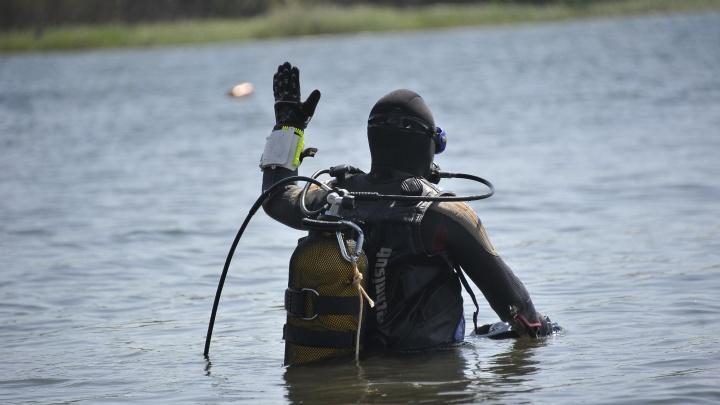 На берегу лежали вещи и велосипед. Тюменские водолазы свернули поиски пропавшего 10-летнего мальчика