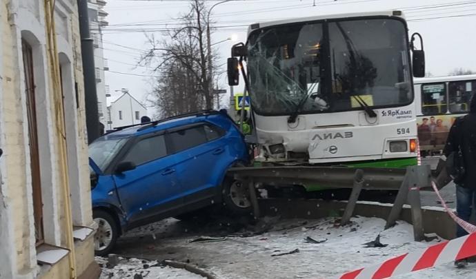 «Возраст влияет на безопасность»: после страшного ДТП на Московском в ПАТП обновляют штат водителей