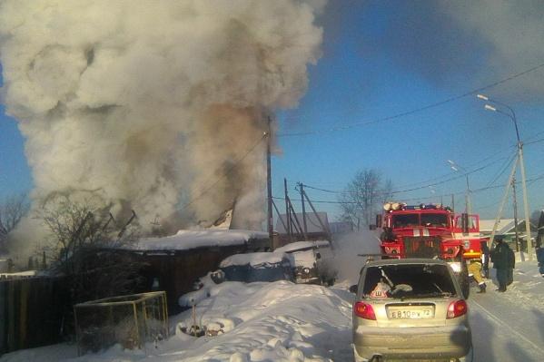 Соседи поздно увидели клубы черного дыма из дома пенсионерки. В момент происшествия женщина была одна дома