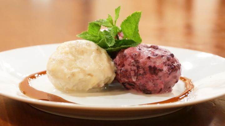 Фруктово-ягодное трио: делаем домашнее мороженое с бананом, вишней и ежевикой