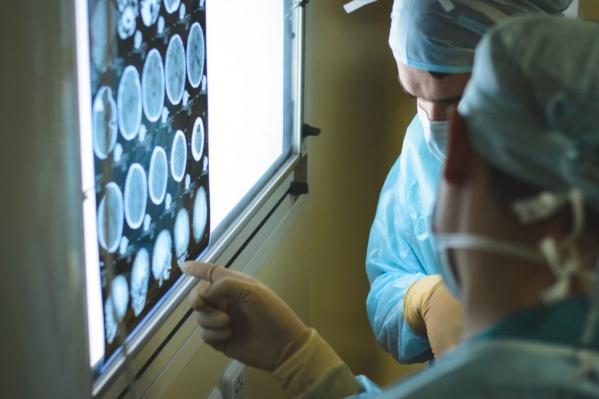 Симптомы у ребенка появились в июле, опухоль мозга врачи диагностировали только в сентябре