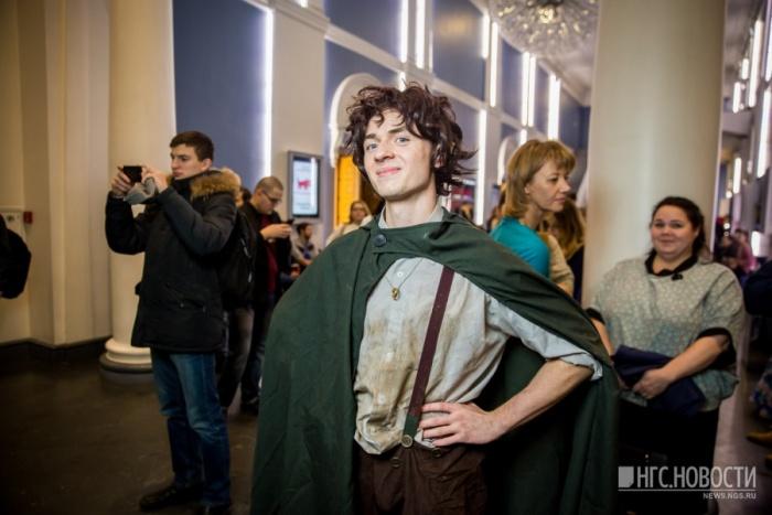 На роль Фродо нашёлся Дмитрий Полеев, очень похожий на Фродо из фильма Питера Джексона