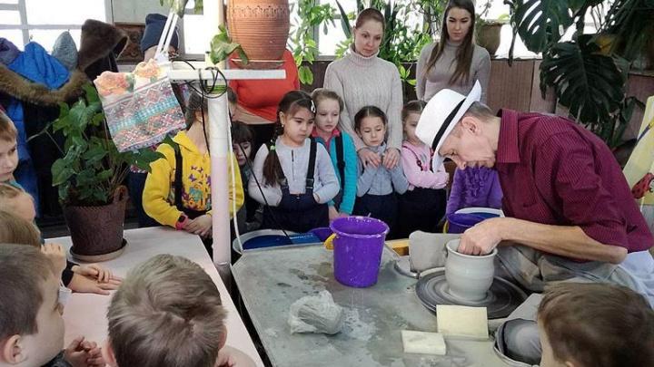 Школа в «Солнечном» ввела уроки гончарного мастерства