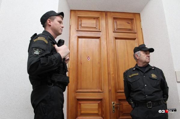 """Судить будут 8 обвиняемых, хотя изначально в деле <a href=""""https://63.ru/text/gorod/53490631/"""" target=""""_blank"""" class=""""_"""">было 14 фигурантов</a>"""