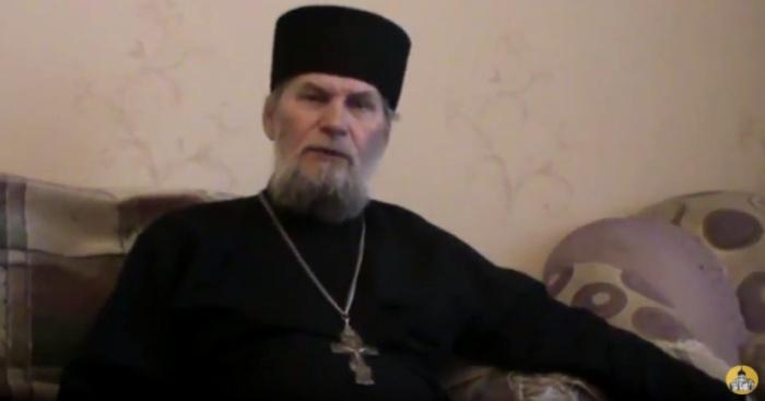 «Батюшка, будут троллить все кому не лень»: к омичам приехал священник — кандидат в депутаты