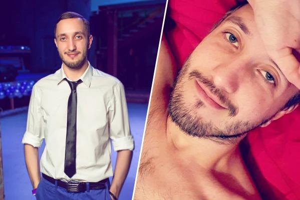 Андрею 31 год, он работает территориальным менеджером в компании Tele2, увлекается стендапом, но не выступает, играет в сквош