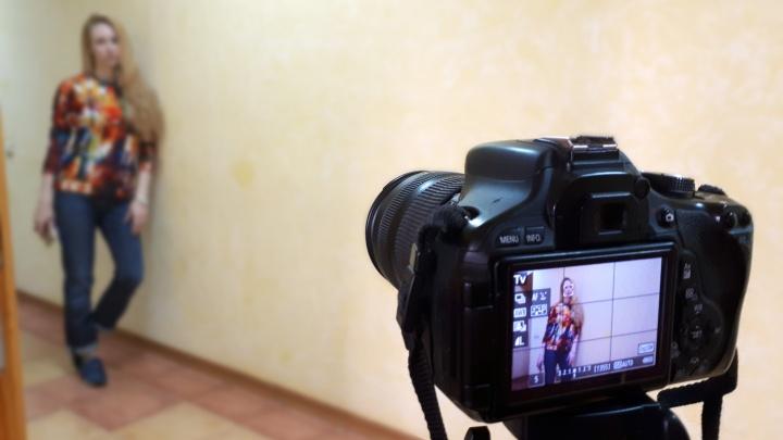 Следком возбудил против омского фотографа уголовное дело — тот развращал несовершеннолетних учениц