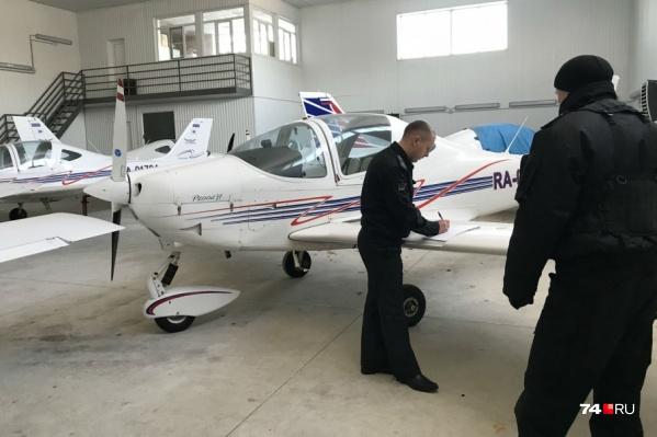 Авиакомпания задолжала более пяти миллионов рублей