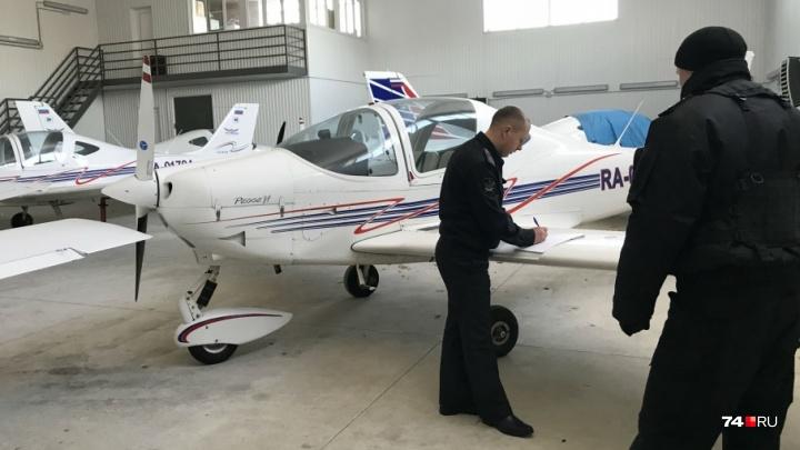 Прилетело за долги: у челябинской авиакомпании арестовали воздушные суда и автотехнику