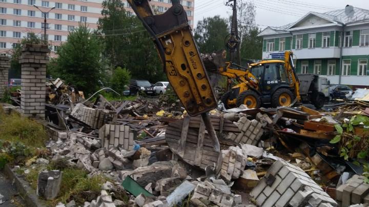 Вместо незаконной лавки: епархия выразила надежду построить православный храм на Чумбаровке