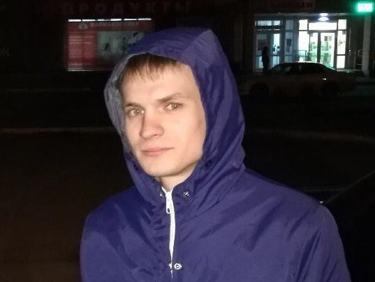 В Омске родственники ищут 26-летнего парня. Его машину видели в 300 километрах от города