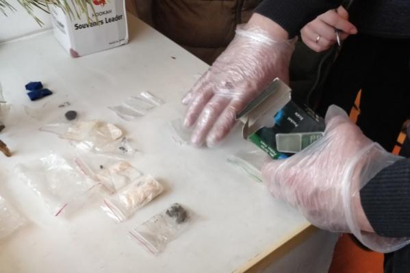 Наркотики семейная пара сбывала в Кургане и районах Зауралья