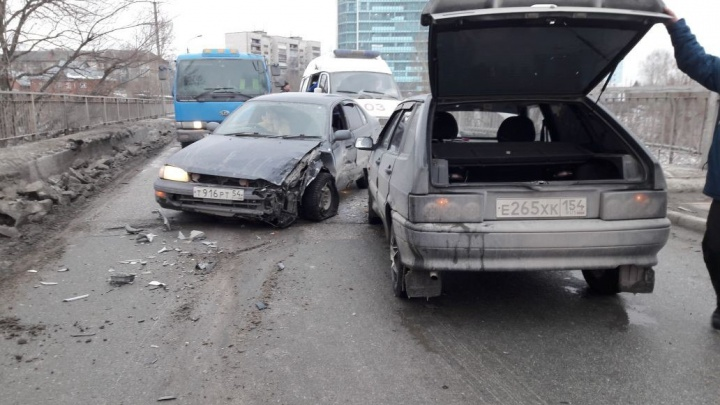 Женщина получила травму головы в ДТП под Новосибирском