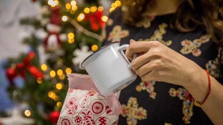 Надарили ерунды: новосибирцы массово избавляются от новогодних подарков