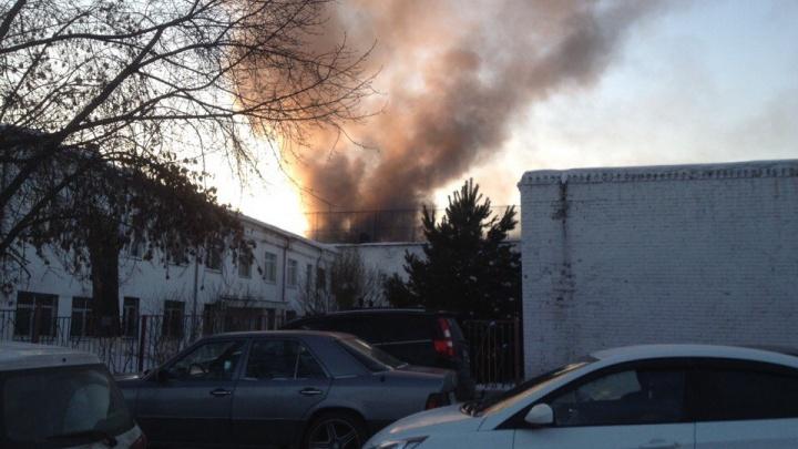 Над омской колонией поднялся столб дыма