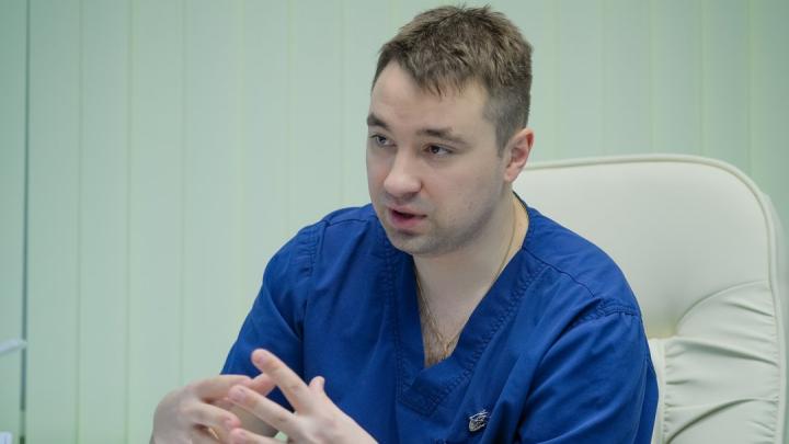 «Пациенты ночью кричат из-за судорог и не могут встать с кровати»: хирург — о последствиях варикоза
