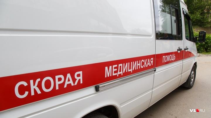 Нырнул и сломал позвоночник: в Волжском 32-летний мужчина умер после отдыха на пляже
