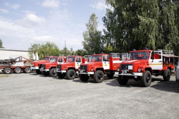 В середине августа в Зауралье пришли четыре пожарные машины Варгашинского завода ППСО, три мобильных лесопатрульных комплекса на базе УАЗов