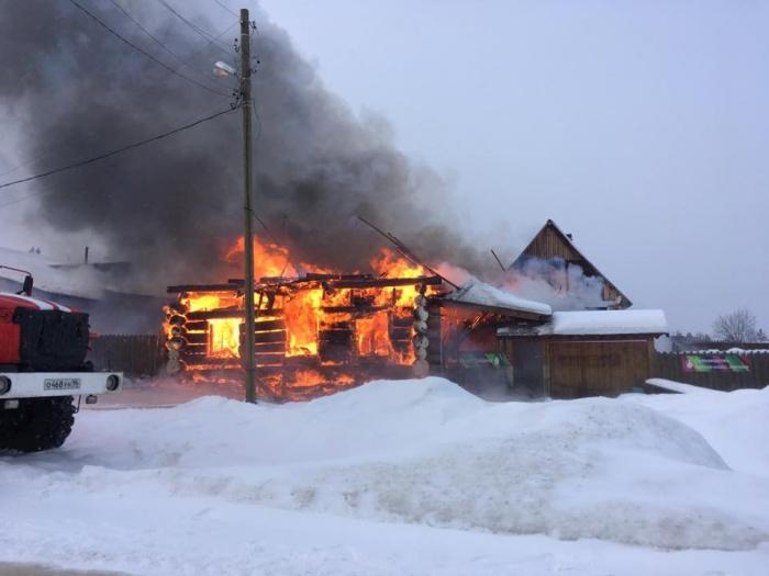 Пожар произошел сегодня около 10:30