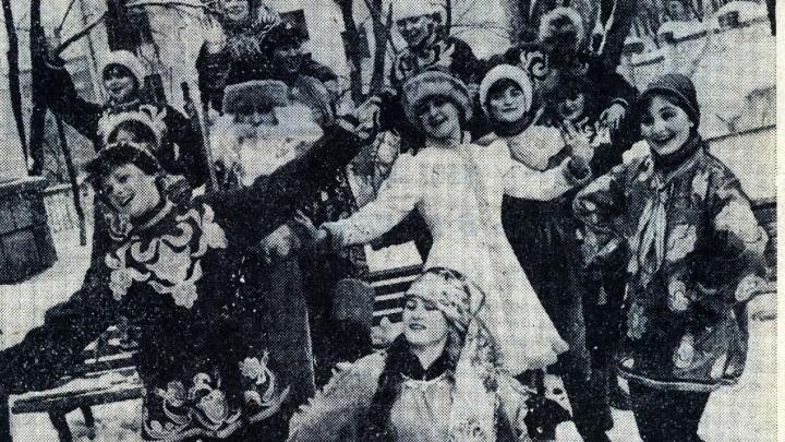 Дед Мороз с радикулитом и мини-ёлки: о чем перед Новым годом писали в газетах Волгограда