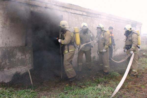 Пожарные потушили огонь за 15 минут