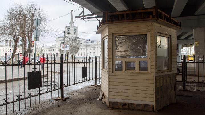 Мэрия Волгограда лишила фирму из Жирновска автостоянки под Комсомольским мостом