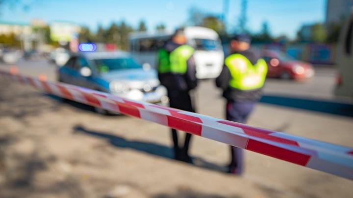 В Ростовской области иномарка врезалась в грузовик: есть раненые