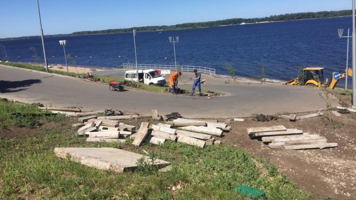 Не опять, а снова: на набережной у Ладьи возобновили ремонтные работы