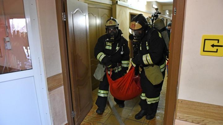 Ночной пожар на Полушкиной роще: двое ярославцев получили страшные ожоги