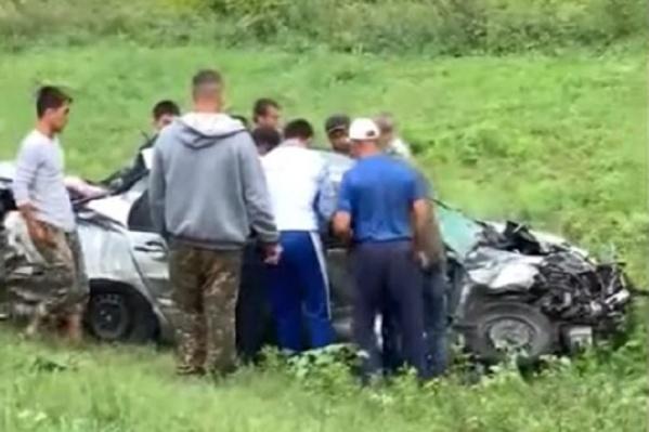 Очевидцы бросились на помощь пострадавшим