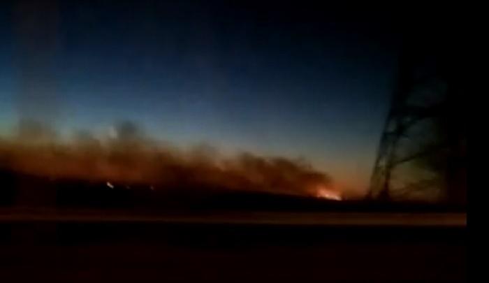 Тушили до позднего вечера: рядом с Новочеркасском произошел крупный ландшафтный пожар