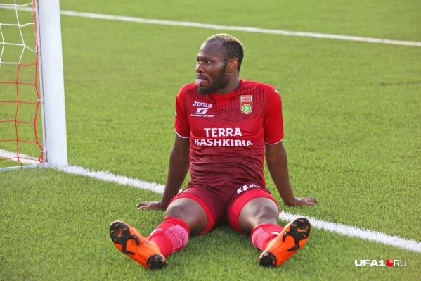 Футболисты не теряют позитивный настрой